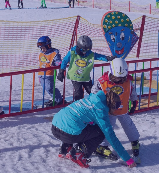 Half day skiing lessons in Kinderland