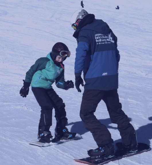 Snowboard lessons group half day
